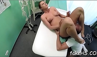 Horny doctor loves undeviatingly her pussy is screwed mercilessly