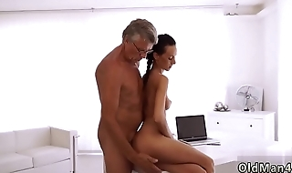 Old man fingers young girl Finally she'_s got her boss dick