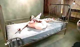 Slut screaming and squirting tied on the bed - Punishland.com